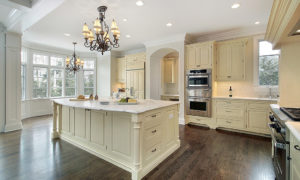 Homes nestled in Chandler 85286 for around $1,050,000