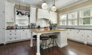 Scottsdale Properties positioned in Equestrian Manor around $1,600,000